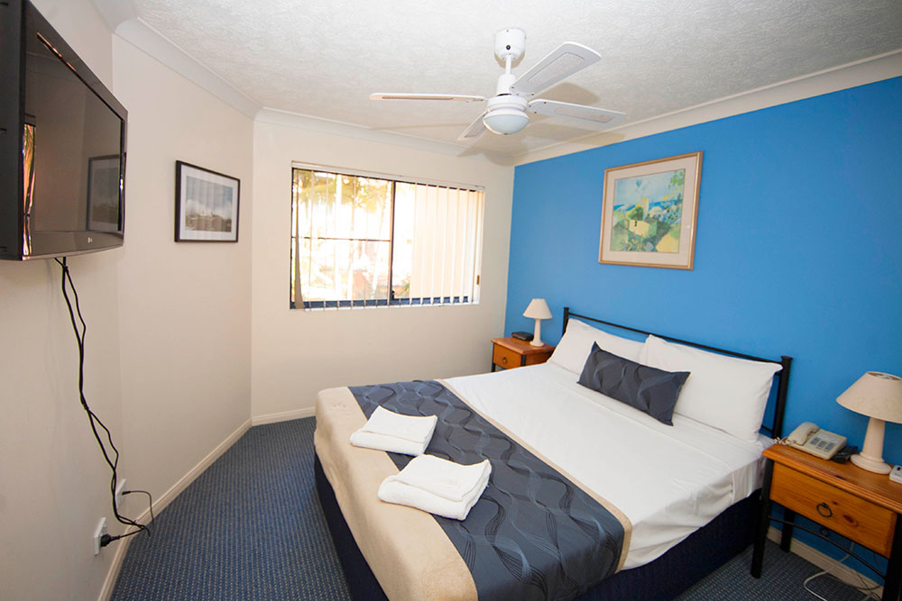 2 master bedroom apartments accommodation mare beachside apartments 13941